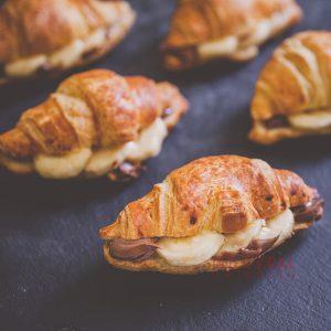 Мини кроасани с банан и шоколад / Кроасани , Сандвичи поръчка / Кетъринг София