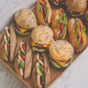 Сет от 4 вида бургери и багети / Сандвичи и бургери / Кетъринг София