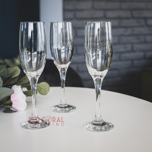 Чаши-за-шампанско-под-наем
